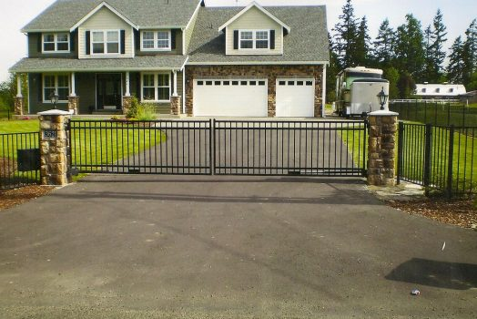 How To Look For And Get The Best Fencing For Your Place?