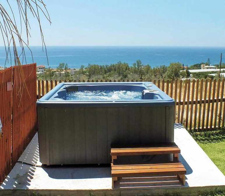 Factors To Consider Before You Buy Hot Tubs
